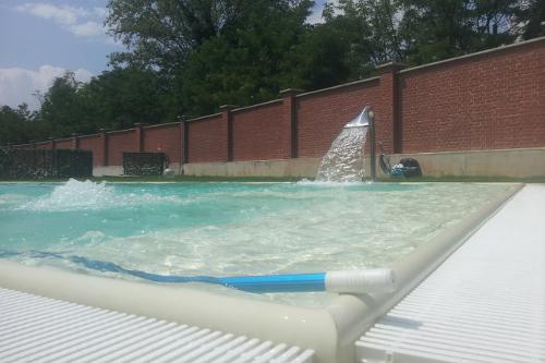 Acqua spa giochi d 39 acqua cascate e fontane - Cascate per piscine ...