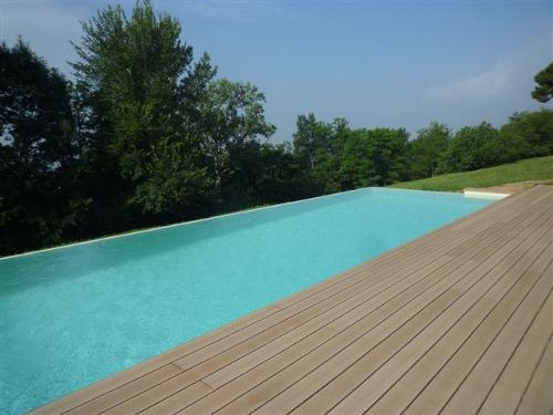 Acqua spa deck esterni per piscina - Piscine da esterno in legno ...