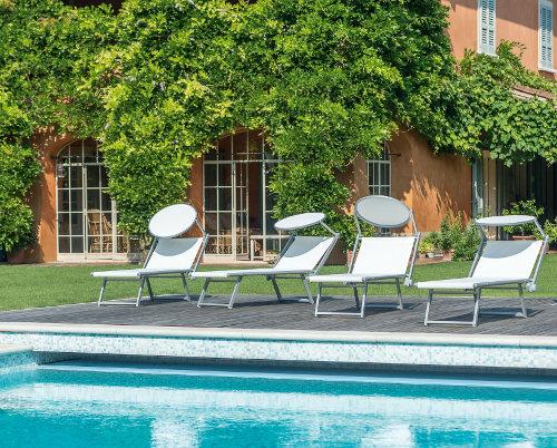 Vivere lesterno: arredi Emu - sedie e tavoli da esterno