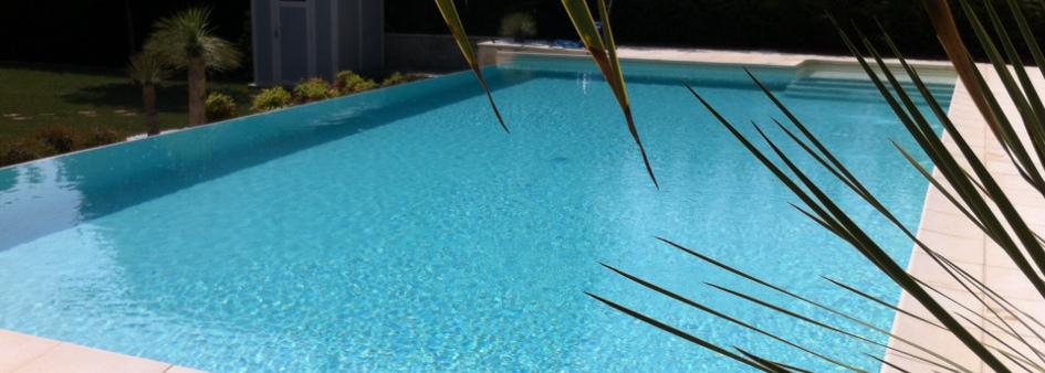 Piscina interrata in vetroresina quanto costa e come - Costi piscina interrata ...