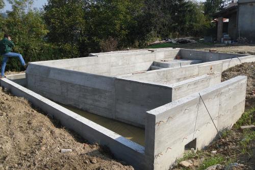 Acqua spa piscine in cemento armato - Come costruire una piscina ...