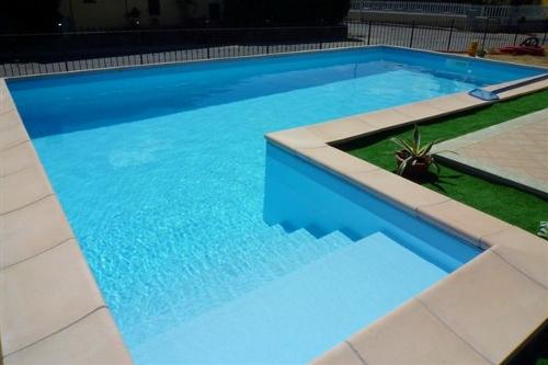 Acqua spa immagini piscine le realizzazioni acqua spa for Piscine 7x3