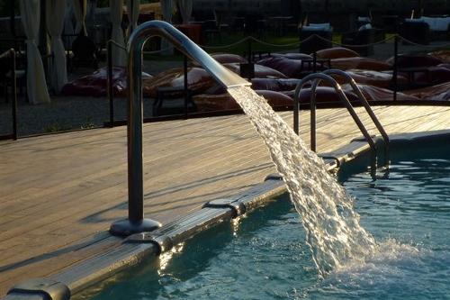 Acqua spa photogallery particolari piscine i dettagli sono importanti - Fontana per piscina ...