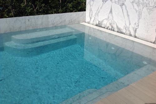 Acqua spa photogallery scale per piscine scale in - Gradini per piscine ...