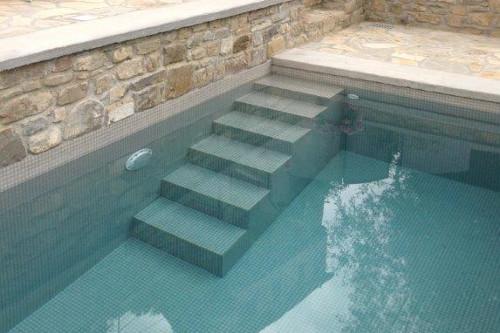 Acqua spa photogallery scale per piscine scale in - Scala per piscina fuori terra ...